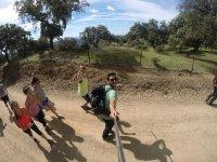 Con escursionisti