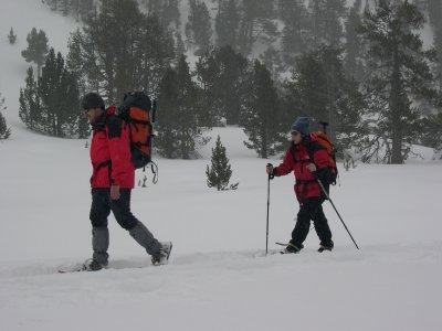 Vertical Challenge Espeleología y Montaña Raquetas de Nieve