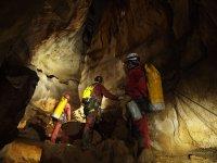 Visitando la cueva en Lleida