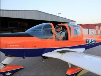 Alumno de vuelo en la pista