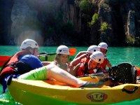 Diversion con los kayak