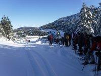 Formando una fila en la nieve