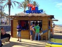 Centro de material en la playa de Arona