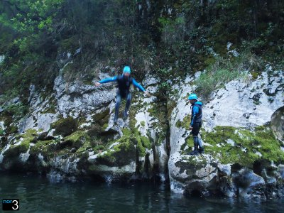 Canyoning in Gándara canyon + video