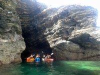 Entrando en una cueva