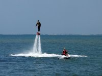 Flyboard con instructor en moto de agua