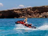 Giro della costa di Ibiza con moto d'acqua