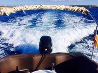 Motor del barco en Baleares