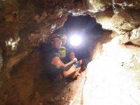 ven al interior de la cueva