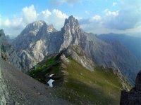 生活在山峰中