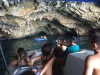 Cuevas en el mar