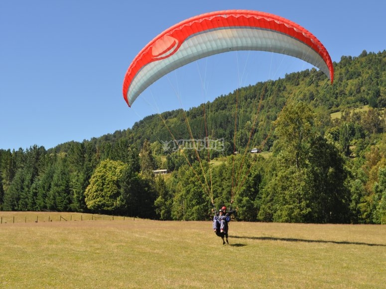 Paragliding course in Castejón de Sos
