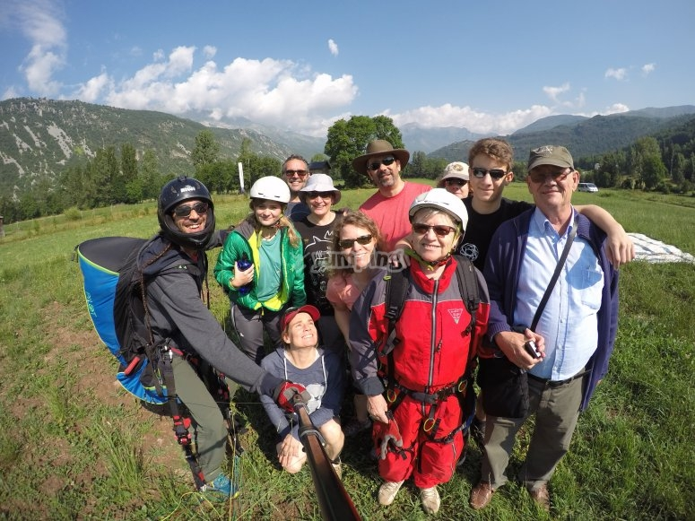Learn to pilot a paraglider