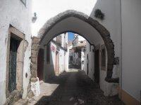 Porton de la villa medieval