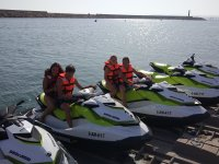 Preparados para salir de ruta en moto de agua