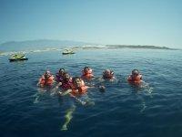Tiempo libre para nadar en el mar