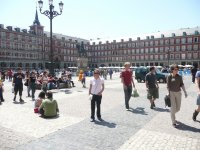 Paseando en la plaza mayor