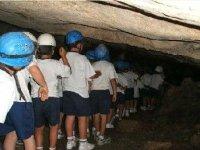 bambini nella grotta.JPG