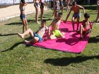 Juegos con agua en el campamento