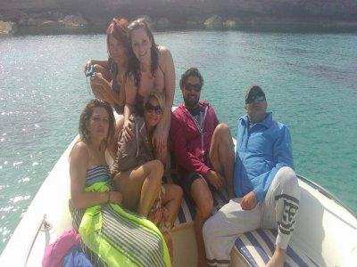 La Isla Flotante Paseos en Barco