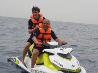 Moto nautica para dos en el Atlantico