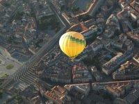 Balloon ride over the city