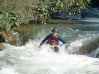 En aguas bravas
