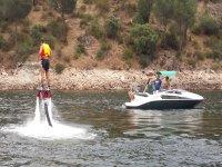 Flyboard con chaleco salvavidas