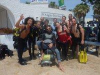 与学校潜水员