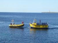 船和潜水船