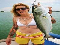我们的队长也有保证渔家乐