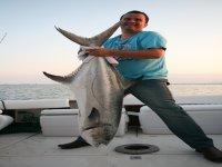 的Martijn与Tallahams leerfish29公斤。鲳鱼