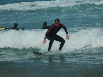 Corso 12 giorni di surf + 14 notti in appartamento