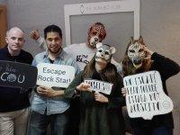 Jugadores con mascaras de animales