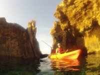 Kayak en la isla de Colom