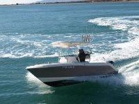 罗瓦洛钓鱼对接罗瓦洛引擎250cv