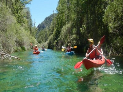 Alto Tajo的独木舟和浮潜