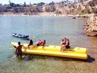Subidos a la banana boat