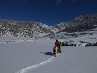Ruta por el Pirineo nevado desde Arseguel