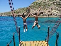 马略卡岛的小船和浮潜