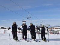 Profesores de esqui en la pista