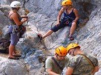 Iniziazione al corso di arrampicata su roccia