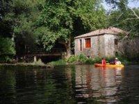 Descubre bellísimos paisajes en kayak