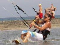 Cursos de iniciación al kitesurf