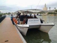 徽标M圣安东尼奥在瓜达尔基维尔船岸巡航