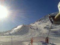 积雪一天或一个星期滑雪