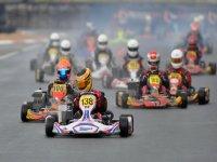 Parrilla de salida en competicion de karts