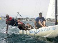 Doing maneuvers in the catamaran