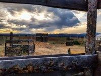 护栏对彩弹射击场的视野