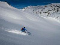 Practicando esqui alpino en el Valle de Aran
